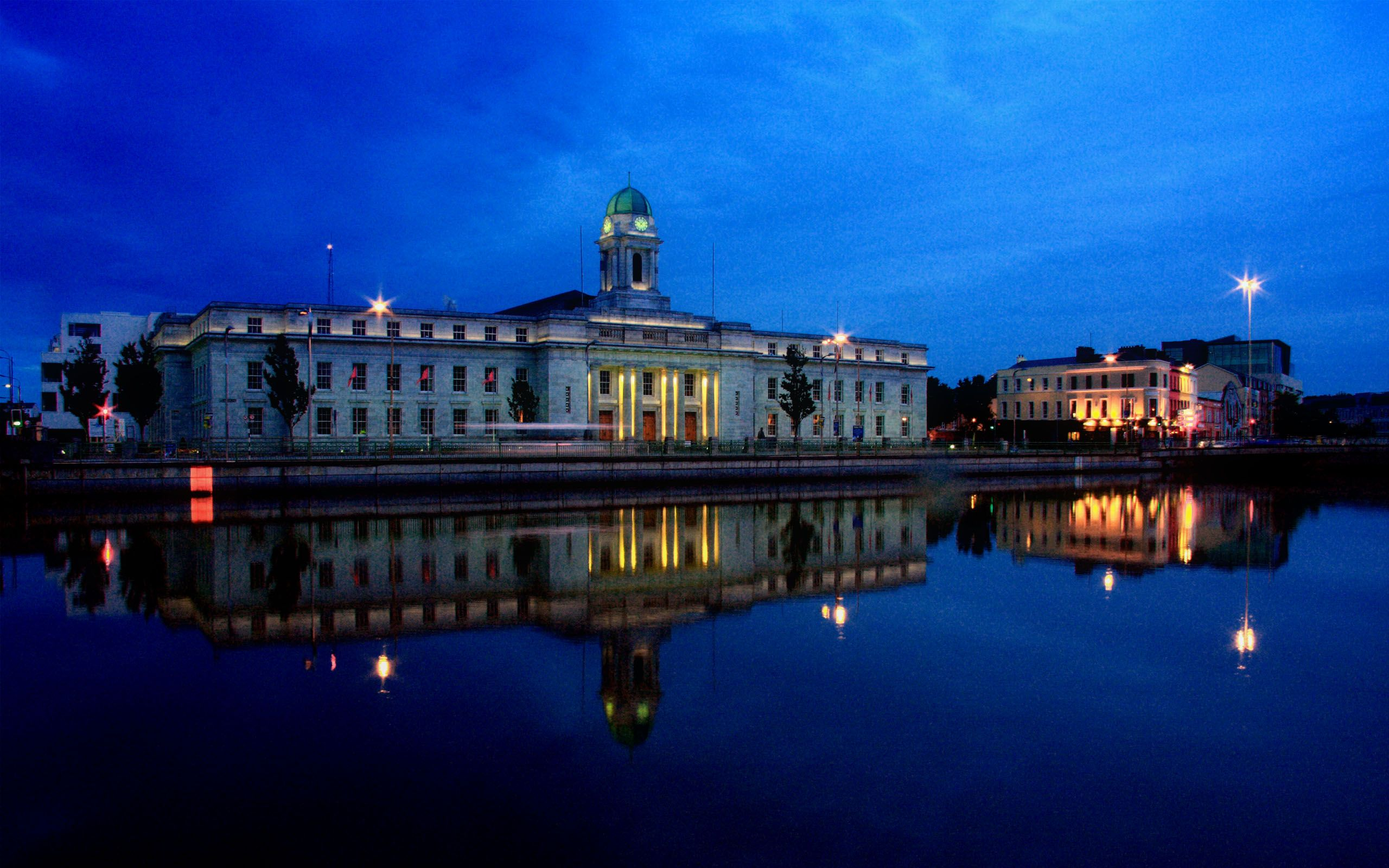 cork-city-hall-2560x1600